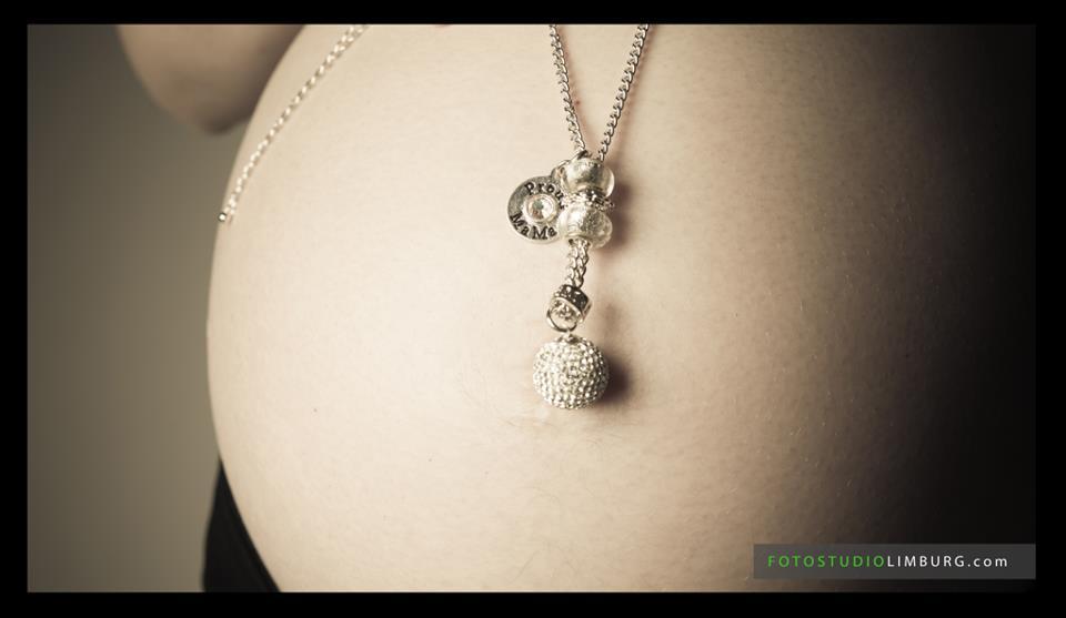 zwangerschapsfotoshoot FotoStudioLimburg.com